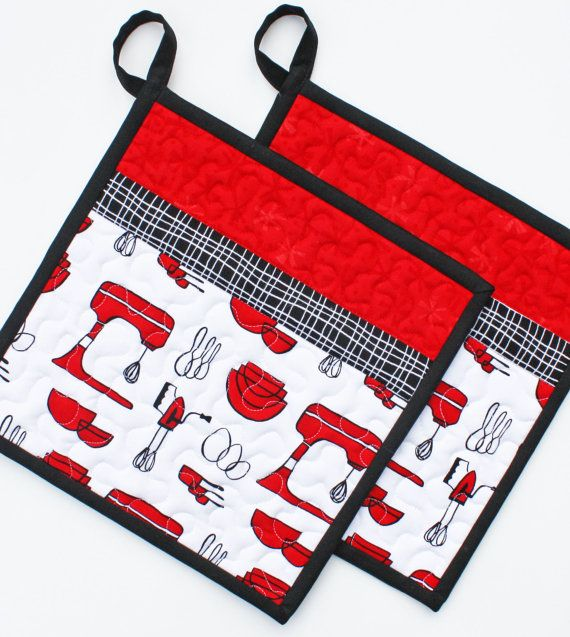 Kitchen machine handmade quilted potholders set of two for Quilted kitchen set
