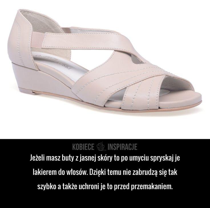 Praktyczny sposób na konserwację obuwia z jasnej skóry.