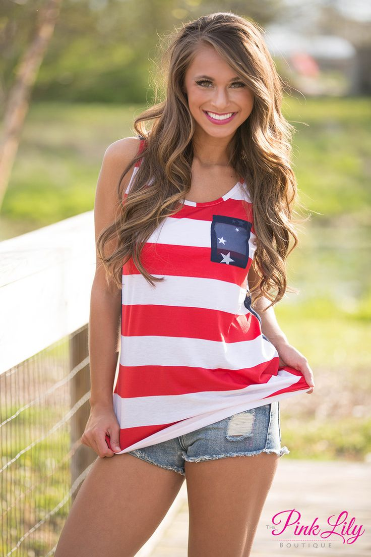 This breezy high low tank is perfect for all of your outdoor summer parties - especially for watching fireworks on the Fourth of July!