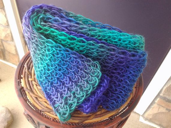 61 best images about Rainbow Loom Hats on Pinterest Knitting looms, Baby ha...