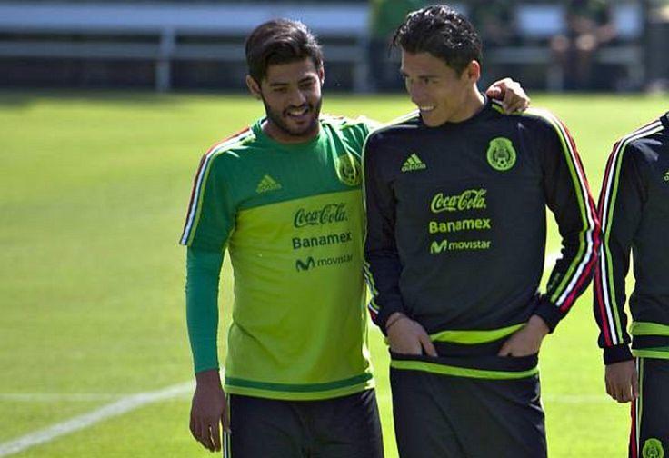 """CHIVAS BUSCARÁ UN """"FICHAJE BOMBA"""" DE EUROPA La directiva del Rebaño planea repatriar algún jugador que milita en el Viejo Contiente; Moreno y Vela serían opciones."""