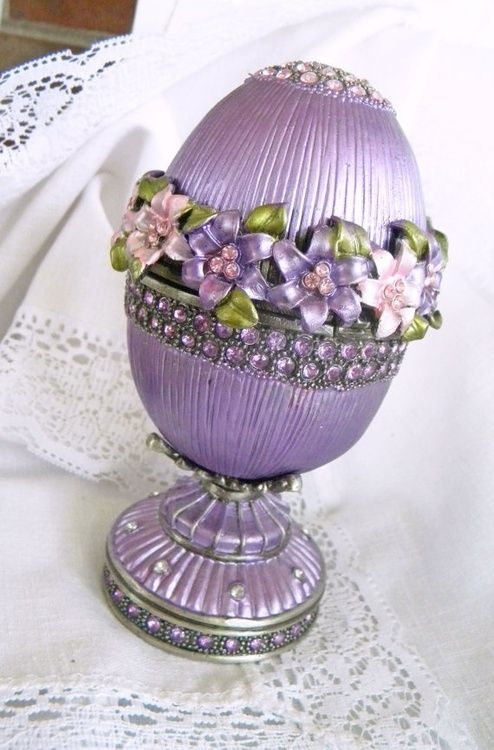 queenbee1924:  (via Vintage Music Box Faberge Egg | Faberge ~Cloisonne ~Enamel | Pinterest)