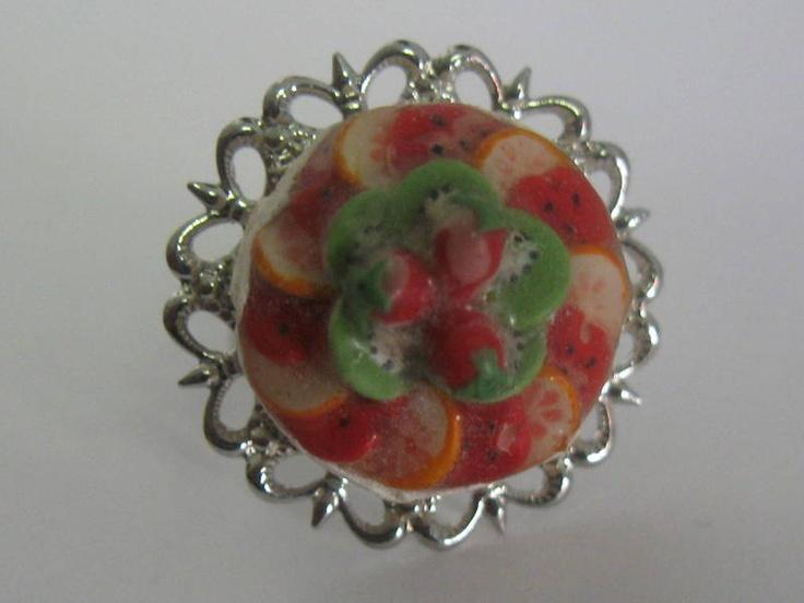 """Früchtetorte auf Silber: dollhouse-Ring (s)    +""""Durch sinnliches Recycling erhält Altes einen neuen Kontext, Verbrauchtes wird erhalten, neu bewertet"""