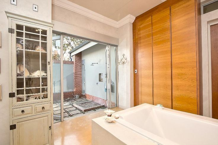 5 Bedroom House for sale in Birchleigh - Rooiels Avenue - P24-102613323