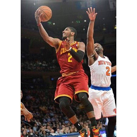 Kyrie Irving averages 28.4 points inside MSG his highest scoring average among all NBA arenas. The Cavs visit the Knicks tonight at 8pm. #repre23nt #cavs #kyrieirving #uncledrew #repre2ent #msg #nba #basketball #knicks