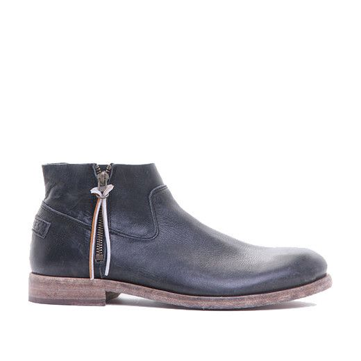 Shabbies Black Angus Boot | The Pepin Shop for carefully chosen design, fashion, furniture and wall decor products
