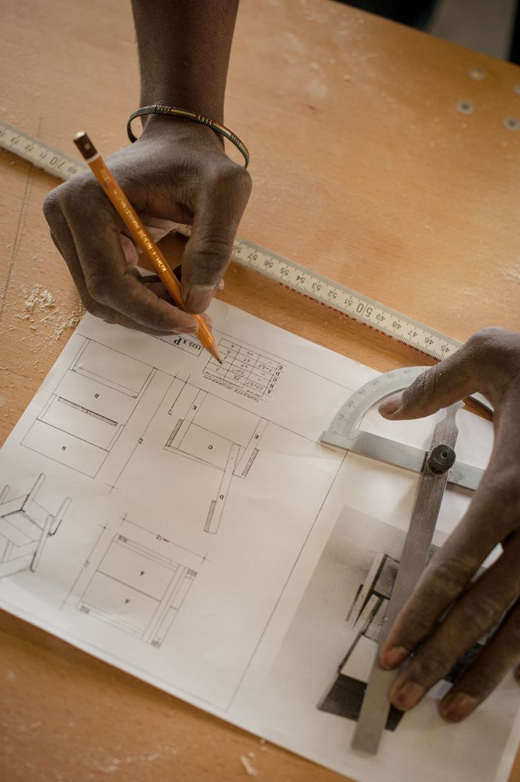 Dieses Kreuzberger Refugee Start Up Baut Italienische Designer Möbel |  Motherboard