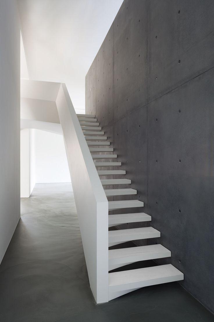 25 beste idee n over trap muren op pinterest trap muur decor trap muren en familie muurfoto 39 s - Entreehal met trap ...