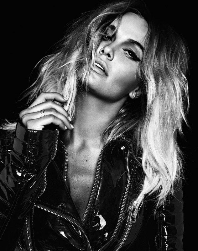 Oyster Australia, 2011 Model: Lara Bingle