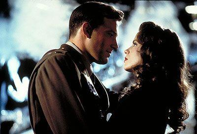 """Ben Affleck, Josh Hartnett e Kate Beckinsale em PEARL HARBOR (Pearl Harbor). 1-""""Eu nunca mais verei um pôr-do-sol sem lembrar de você."""", 2-""""A vitória pertence aquele que acredita nela, e aquele que acredita nela por mais tempo."""" e 3-""""A dor é passageira, mas a glória é eterna."""""""