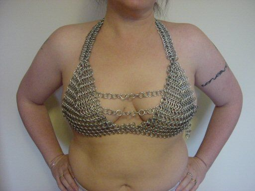 Instructions on how to fit and make a chain maille bra