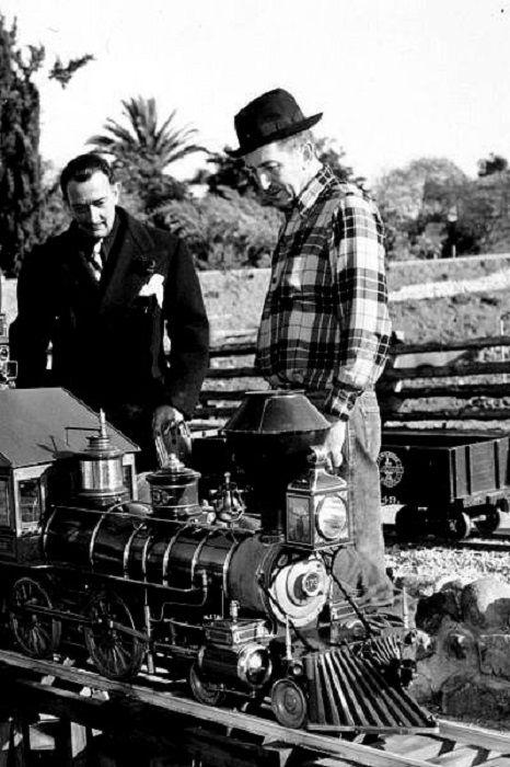 68 лет назад Дисней попросил Дали нарисовать мультфильм, который был бы воплощением идеи сюрреализма, но получившееся было настолько непривычно обыкновенному зрителю, что показ закрыли и не придали огласке аж до 2003 года.