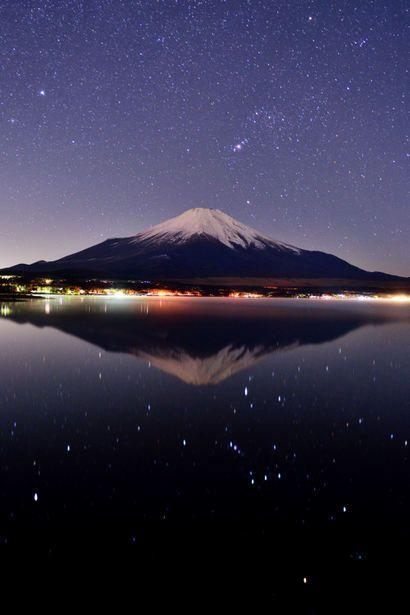 [F]水面に写る富士山。吸い込まれそう