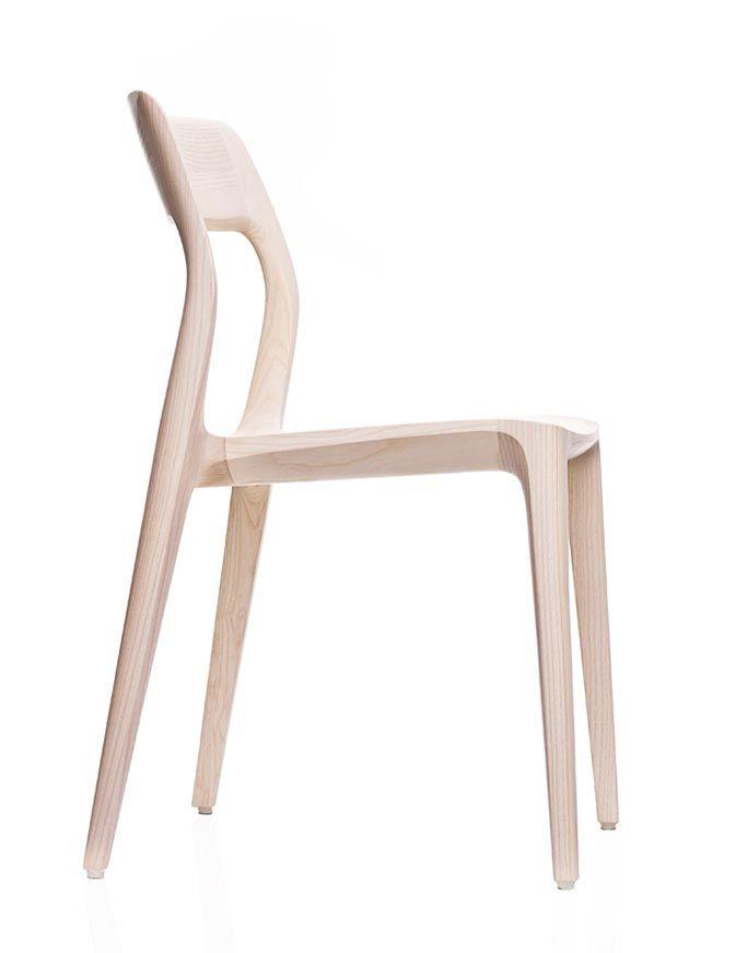 Wooden chair design featuring nicely curved lines in a minimalistic yet sophisticated form - #furniture #design #stool - geschwungene Linien machen aus der minimalistischen Anmutung dieses Stuhl-Designs ein Möbel zum verlieben