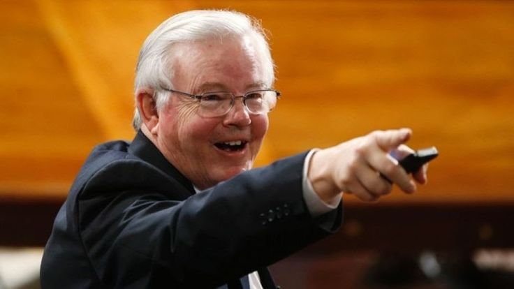Rep. Joe Barton warned woman he'd tell police if she shared explicit photos and messages, report says