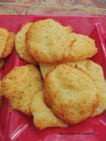 Tuiles salées au fromage râpé Pour utiliser les blancs d'oeufs cette recette de tuiles salées est parfaite. Depuis que j'ai découvert c...