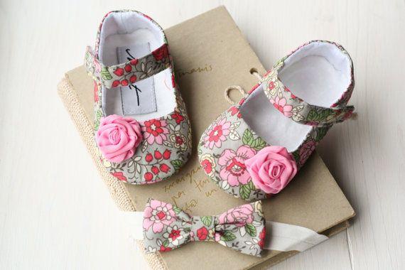 Gris rosado floral del bebé niña regalo por MartBabyAccessories