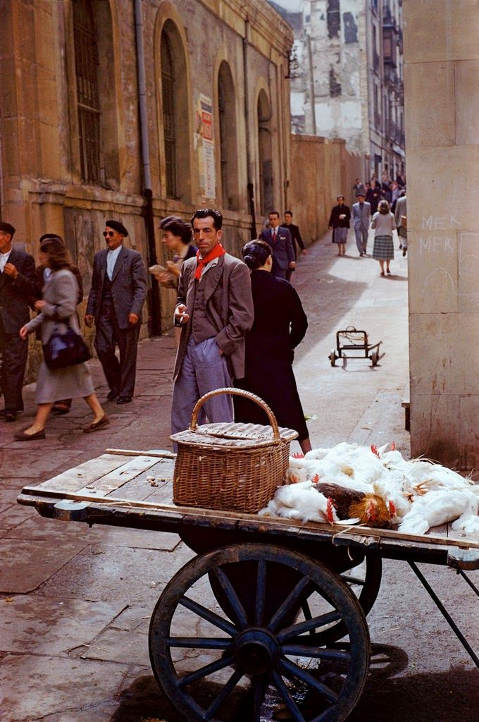 Daily Life in the 1950s Through 32 Beautiful Color Pictures