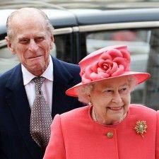 LONDEN - De Britse koningin Elizabeth II, die maandag 88 jaar is geworden, heeft nog 17 maanden te gaan tot ze haar betovergrootmoeder koningin Victoria passeert als langst regerende monarch uit de Britse geschiedenis. Elizabeth moet het daarvoor nog volhouden tot 11 september 2015. Op basis van haar huidige gezondheid moet dat geen probleem zijn.