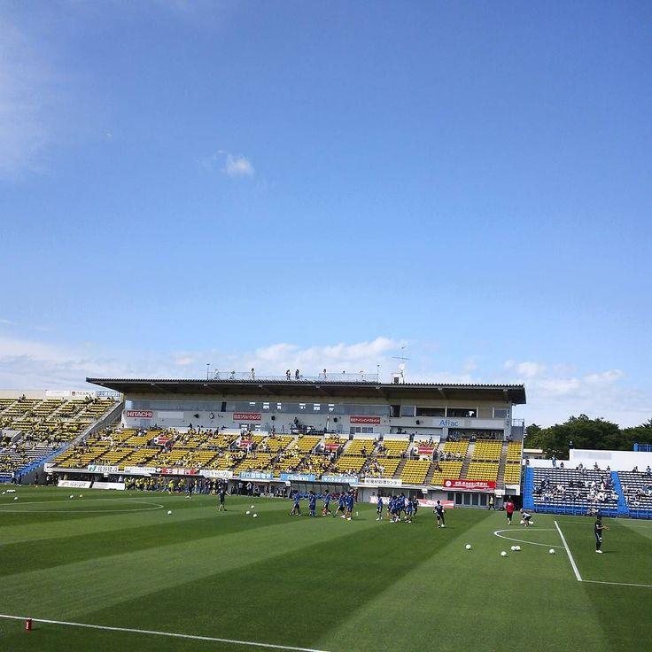 May - 21 - 2016 . #25 2016 Jleague Division 1 Matchday 13  Kashiwa Reysol - Avispa Fukuoka @ Hitachi Kashiwa Stadium . 邦本スタメン #thechickenbaltichronicles #groundhopping #japan #japon #football #futbol #futebol #fussbal #voetbal #calcio #soccer #instafootball #jleague #stadium #estadio #stadion #stadio #may #saturday #日本 #サッカー #jリーグ #柏レイソル #レイソル #アビスパ福岡 #アビスパ #日立台 by 708ggg
