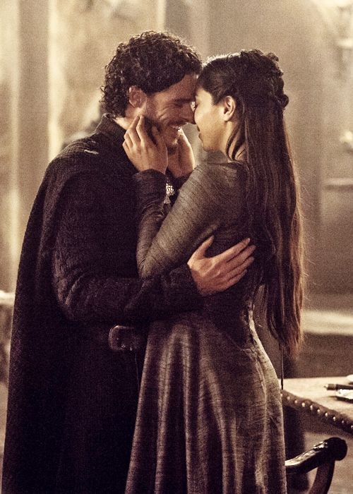 Robb and Talisa, I am willing to wait for a man that smiles at me like that...then I can live happily...or die in a puddle of my own blood, damn you GRRM