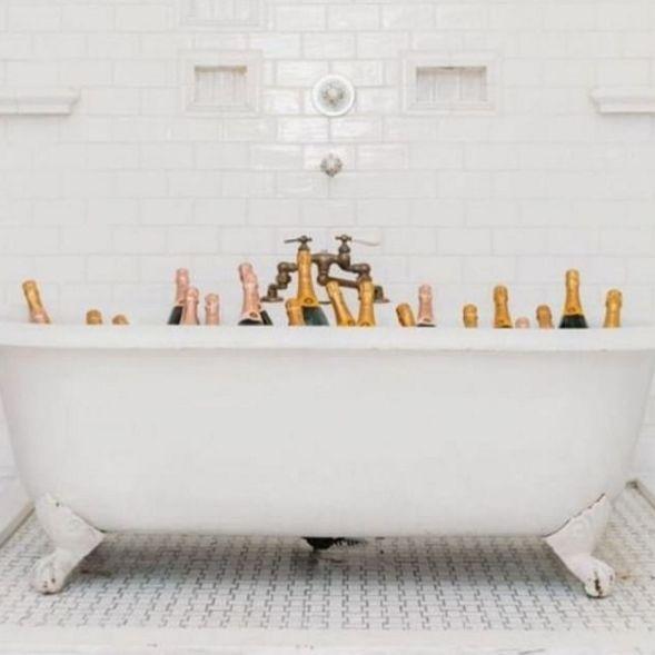 Our kinda bath time ✖