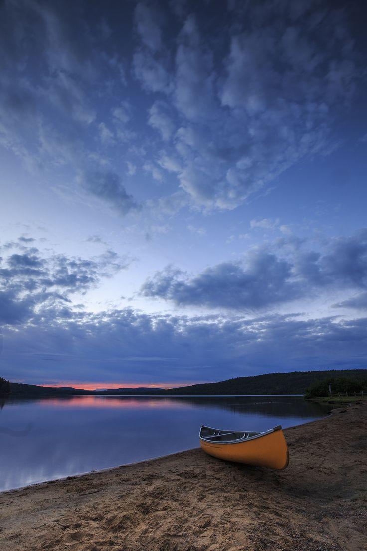Sliver of light at Pog Lake - Sunrise at Pog Lake - Algonquin Park