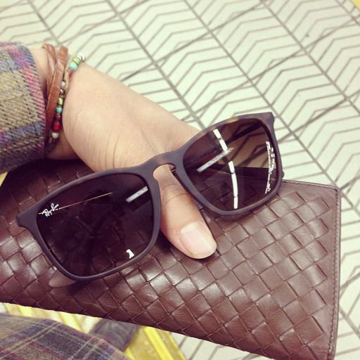 I just had to order the PINK Ray-Bans also. Sooo preeety!