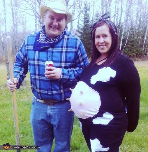 maternity cow farmer pregnancy halloween costume idea - Pregnancy Halloween Costume Ideas For Couples