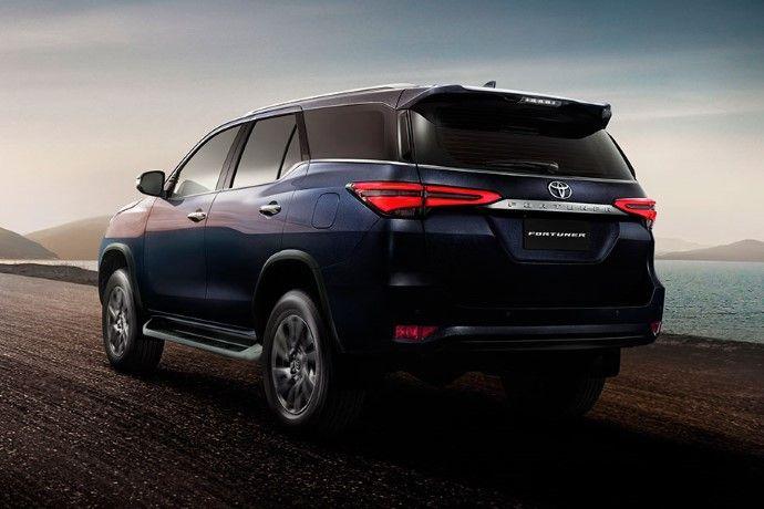 Toyota Sw4 Fortuner 2021 Adopta Un Estilo Mas Sofisticado Y Nuevas Ayudas De Manejo Guiarepuestos Com En 2020 Toyota Toyota Hilux Fotos De Autos