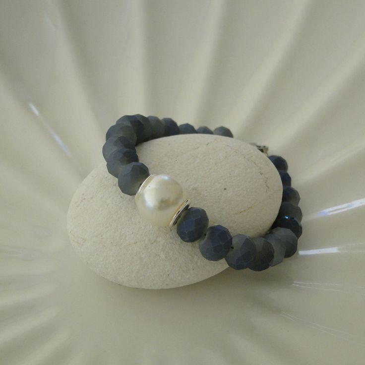 Ματ κρυσταλλάκια σε γκρι-γαλάζιο - Πέρλα  Μήκος δείγματος 17cm (εφαρμόζει σε καρπό 13,5 εως 14,5 cm)