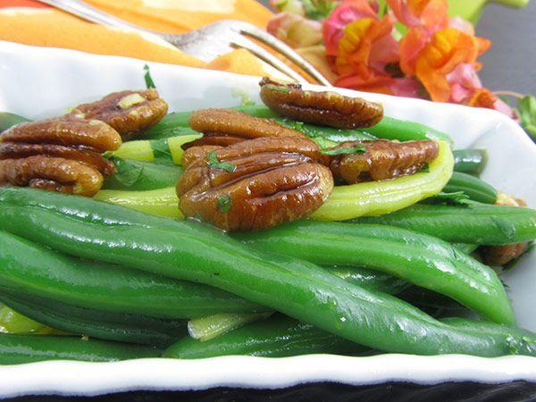 Vegan Green Beans & Glazed Pecans