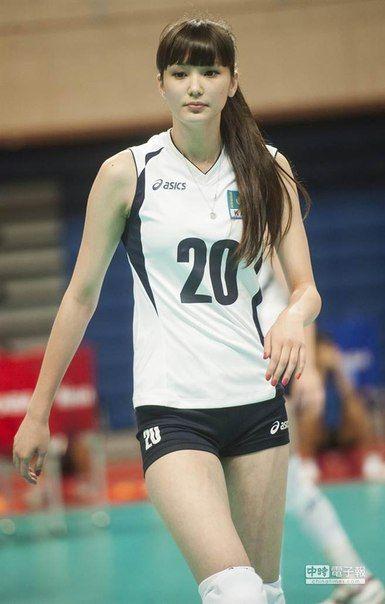 Altynbekova Sabina, Pemain Voli