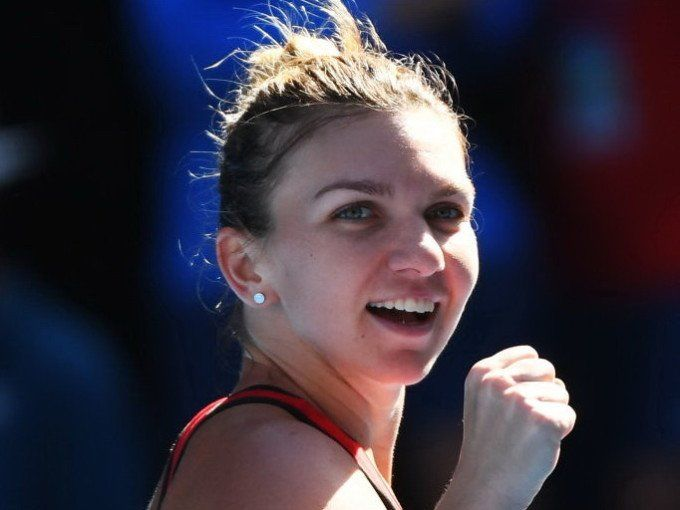 Australian Open: Top seed Simona Halep beats Karolina Pliskova in straight sets, 6-3, 6-2... advances to AO2018 SFs v 2016 AO Champion Angie Kerber... Via Aus Open: aiming to be the first No.1 woman to win the #AusOpen since @serenawilliams in 2015  International