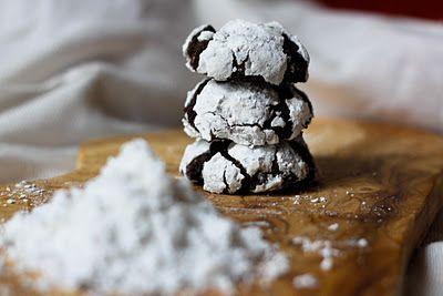 brownie-like cookies @ broma bakery: Desserts, Chocolate Crinkle Cookies, Christmas Cookies, Chocolate Crinkles, Chocolates Crinkle Cookies, Homemade Recipe, Recipes, Nom Nom, Broma Bakeries