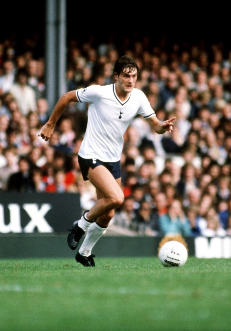 Glenn Hoddle, Spurs pass master