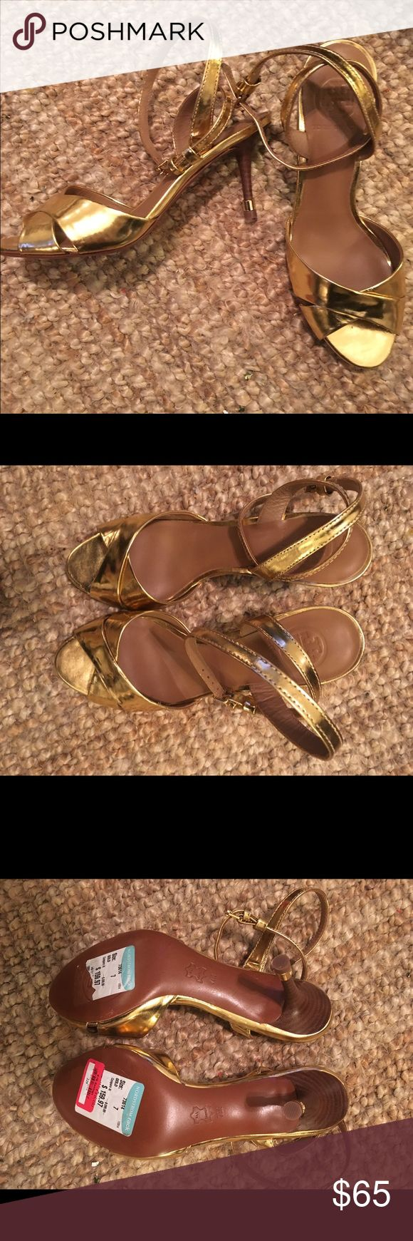 Tory Burch Gold Pumps Lovely gold pumps- never worn- bought for a bachelorette party and never worn Tory Burch Shoes Heels