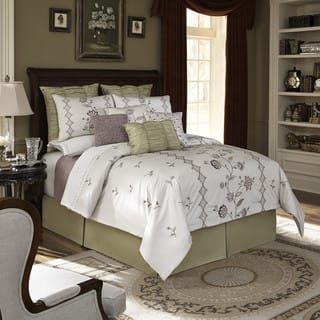 Downton Abbey Comforter Set | Repinned by PeachSkinSheets <3