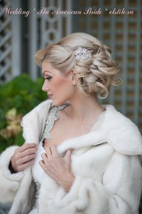 Bridal hairstyles 2013, American-style, decorated with a brooch - Hollywood wave or a soft wave