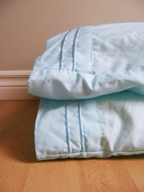 how to clean pillows without washing machine