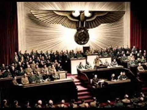 1933-02-24_-_Adolf_Hitler_-_Im_Muenchner_Buergerbraeukeller_nach_der_Mac...