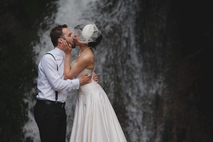Kissing under the waterfall! Beautiful couple in Vlassia (Patras)