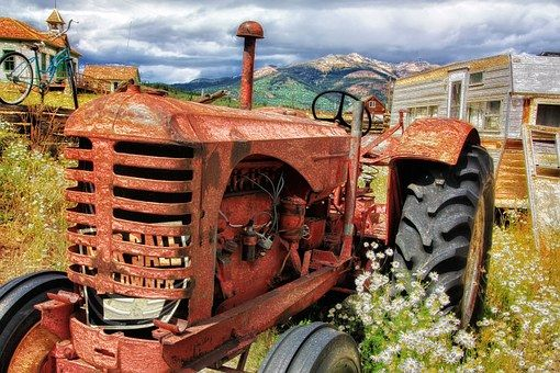 Tractor, Antigua, Antiguos