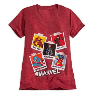 Get set to save the day with this Marvel print t-shirt. Featuring polaroid artwork of Iron Man, Dare Devil, Black Widow, Captain America and Spider-Woman, it has '