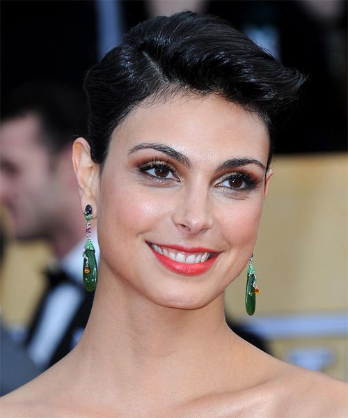 Morena Baccarin Short Straight Hairstyle - side view 1