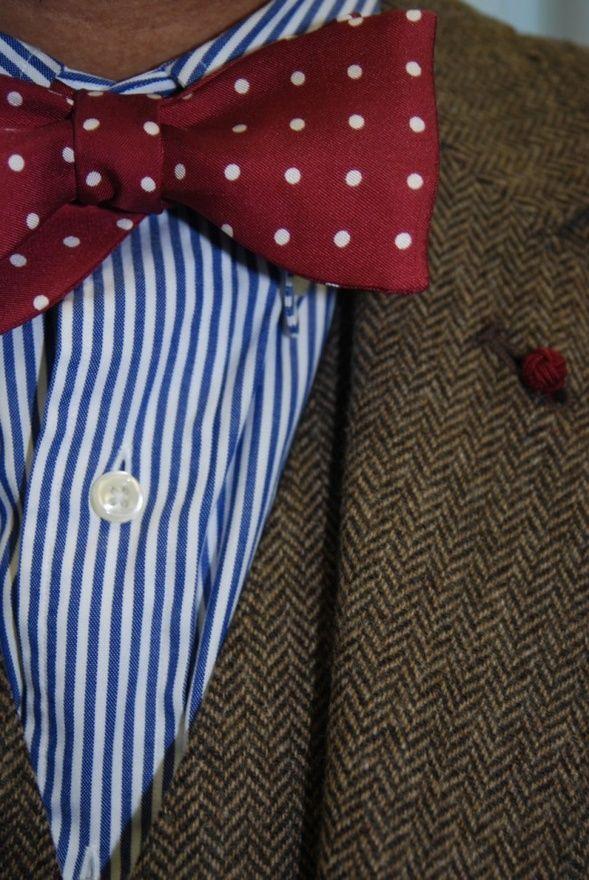 Self tie bow tie - Light blue Oxford weave, dark blue polka dots Notch