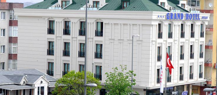 Grand Hotel Avcilar, www.grandhotelavcilar.upps.org, Grand Hotel Avcilar liegt in unmittelbarer Nähe zum Flughafen Istanbul Atatürk. Man kommt bequem mit dem Auto zum Hotel. Da das Hotel an der Hauptstraße liegt, ist Grand Hotel Avcilar mit den öffentlichen Verkehrsmitteln ebenso sehr leicht zu erreichen. Wir freuen uns auf Ihren Besuch!