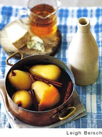 Pears Poached in Mead : this recipe turns out beautifully using our award winning Moonstruck Show mead.