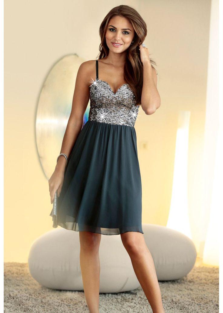 Sukienka szyfonowa z cekinami Piękna • 139.99 zł • bonprix