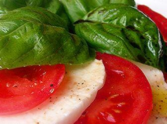 Caprese saláta recept
